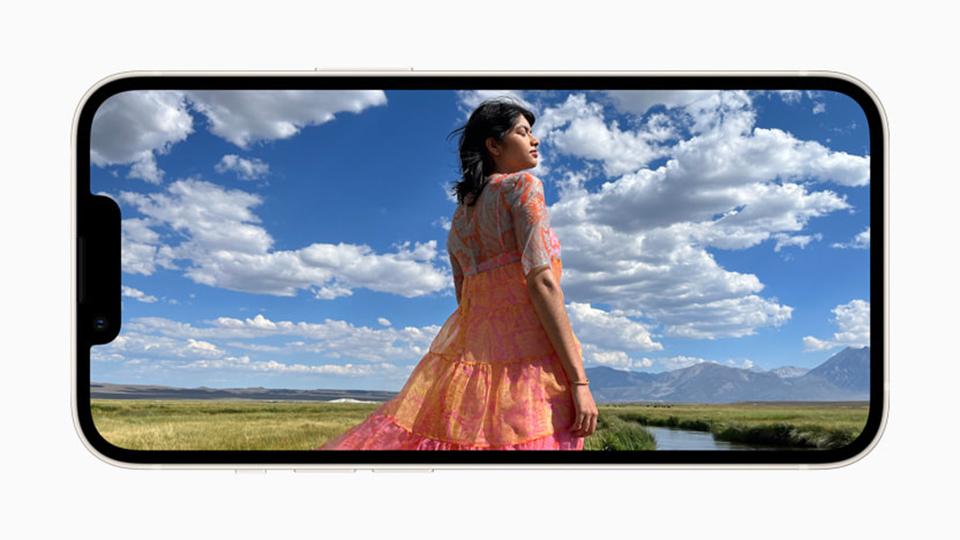pin iPhone 13